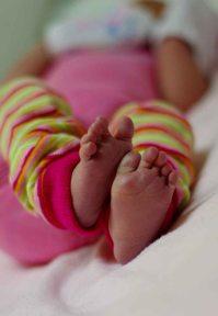 http://camerashyness.com/2013/01/25/day-25-babies/