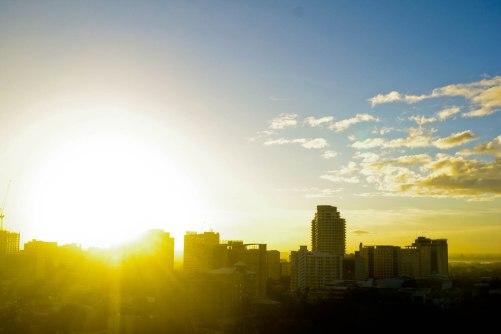 https://camerashyness.com/2013/04/17/day-107-summer-sunrise/