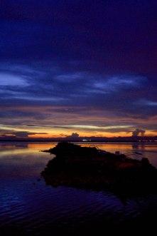 https://camerashyness.com/2013/09/28/day-271-setting-sun/